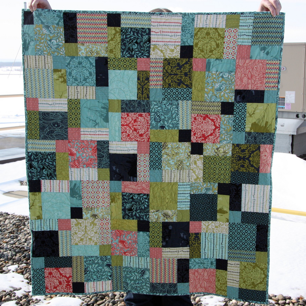 disappearing nine patch in neptune - Warmth in the North : disappearing patch quilt - Adamdwight.com